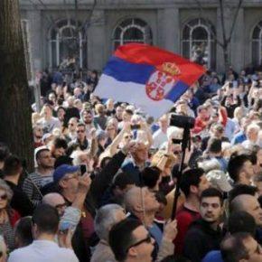 EURAZIA Daily. «Повсеместная атмосфера страха и насилия»: в чём причина протестов в Сербии