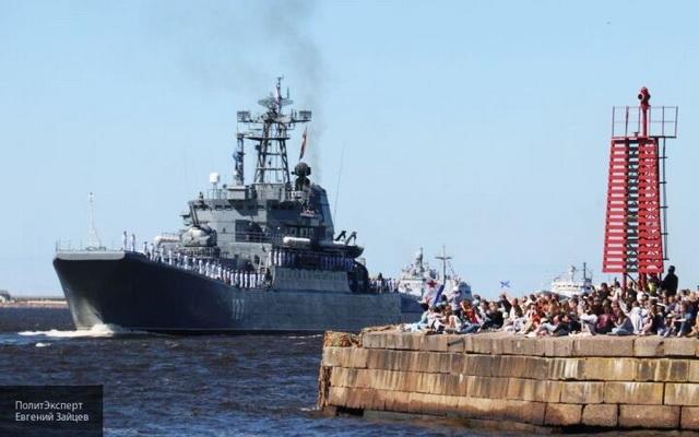ИА «Народные новости». Пономаренко: парад ВМФ показал рост темпов строительства военных кораблей