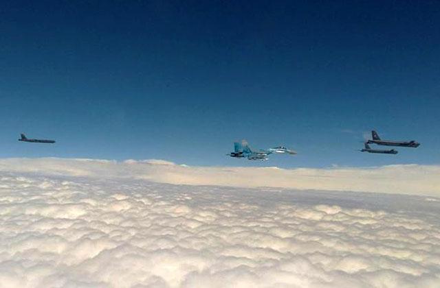 Зачем в небе над Украиной три американских стратегических бомбардировщика B-52H STRATOFORTRESS?